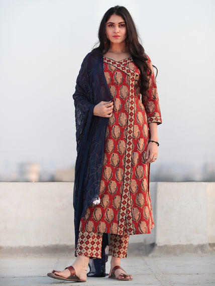 Bahaar Ajib - Set of Kurta Pants & Dupatta - KS102A2152D