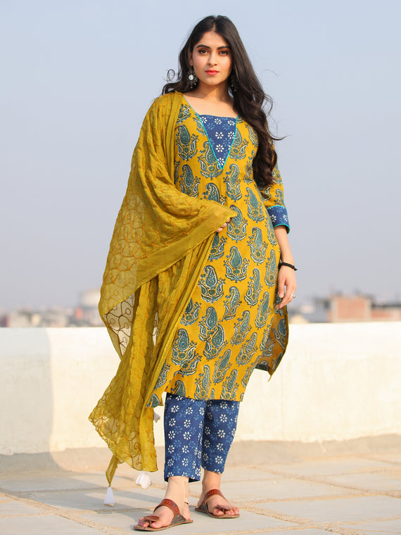 Bahaar Tahsin - Set of Kurta Pants & Dupatta - KS45BXXXD