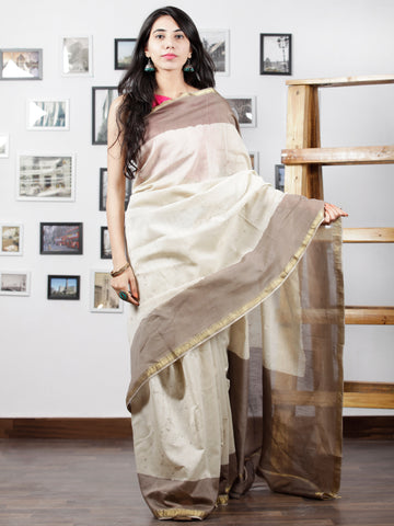 Kashish Ivory Hand Brushed Dabu Painted Maheshwari Silk Saree With Zari Border - S031702996