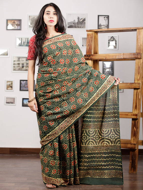 Green Red Yellow Hand Block Printed Cotton Mul Saree - S031703001