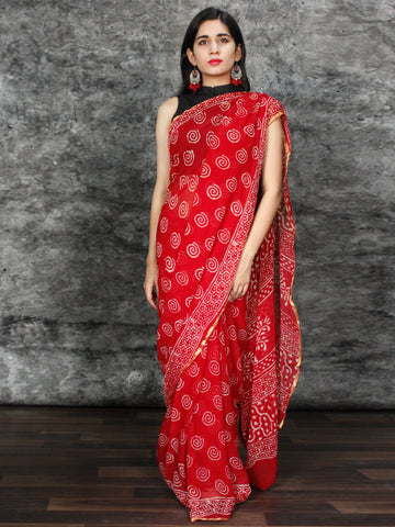 Red White Hand Block Printed Chiffon Saree with Zari Border - S031703122