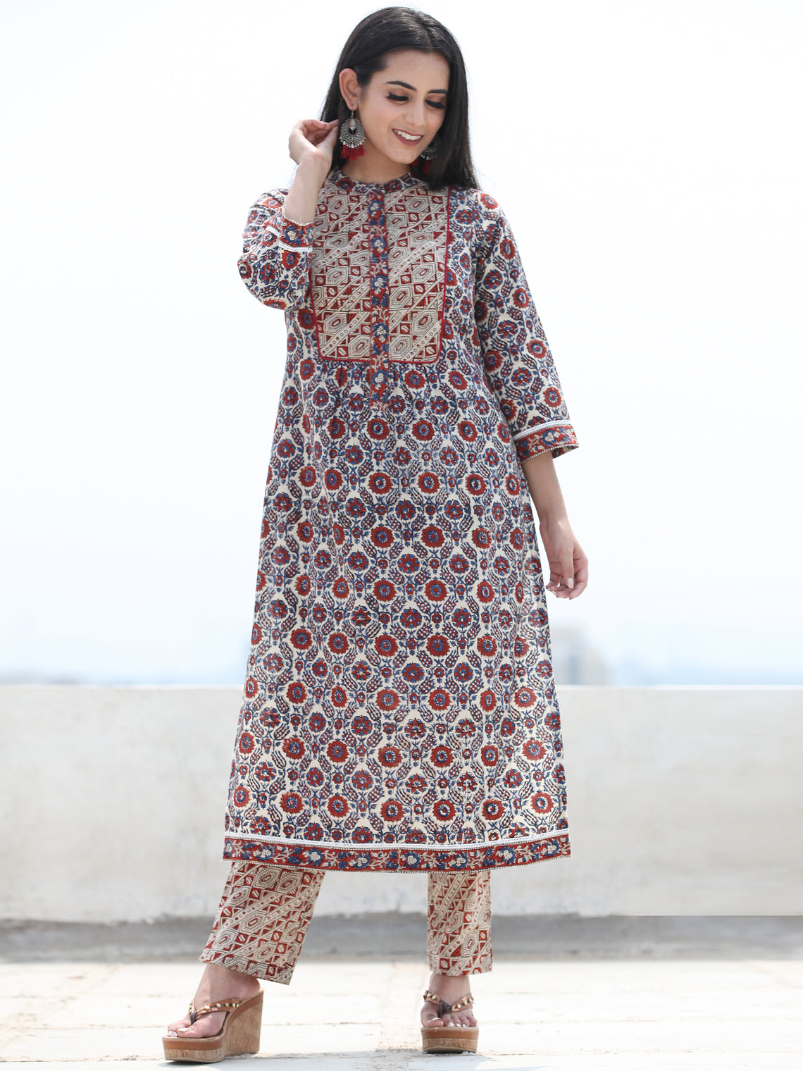 Bahaar Nazmil - Set of Kurta Pants & Dupatta - KS164A2465D