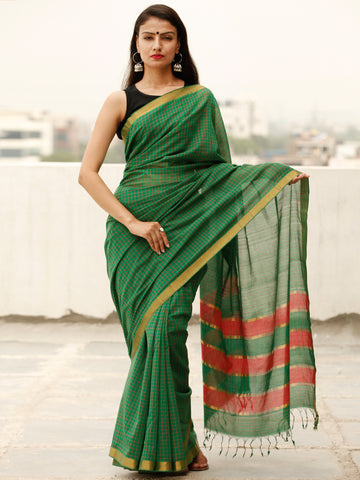 Green Red Handloom Mangalagiri Cotton Saree With Zari Border - S031703867