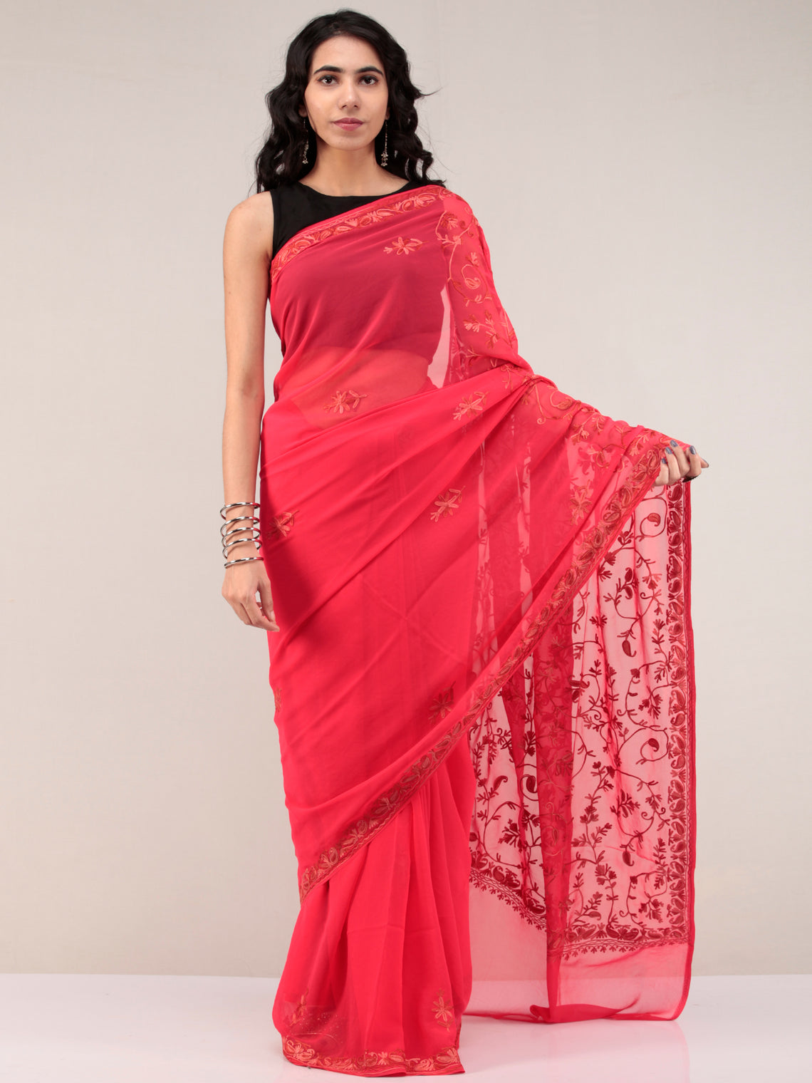 Red Aari Embroidered Georgette Saree From Kashmir - S031704659