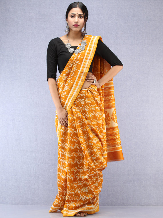 Mustard Ivory Hand Block Printed Maheshwari Silk Saree With Zari Border - S031704482