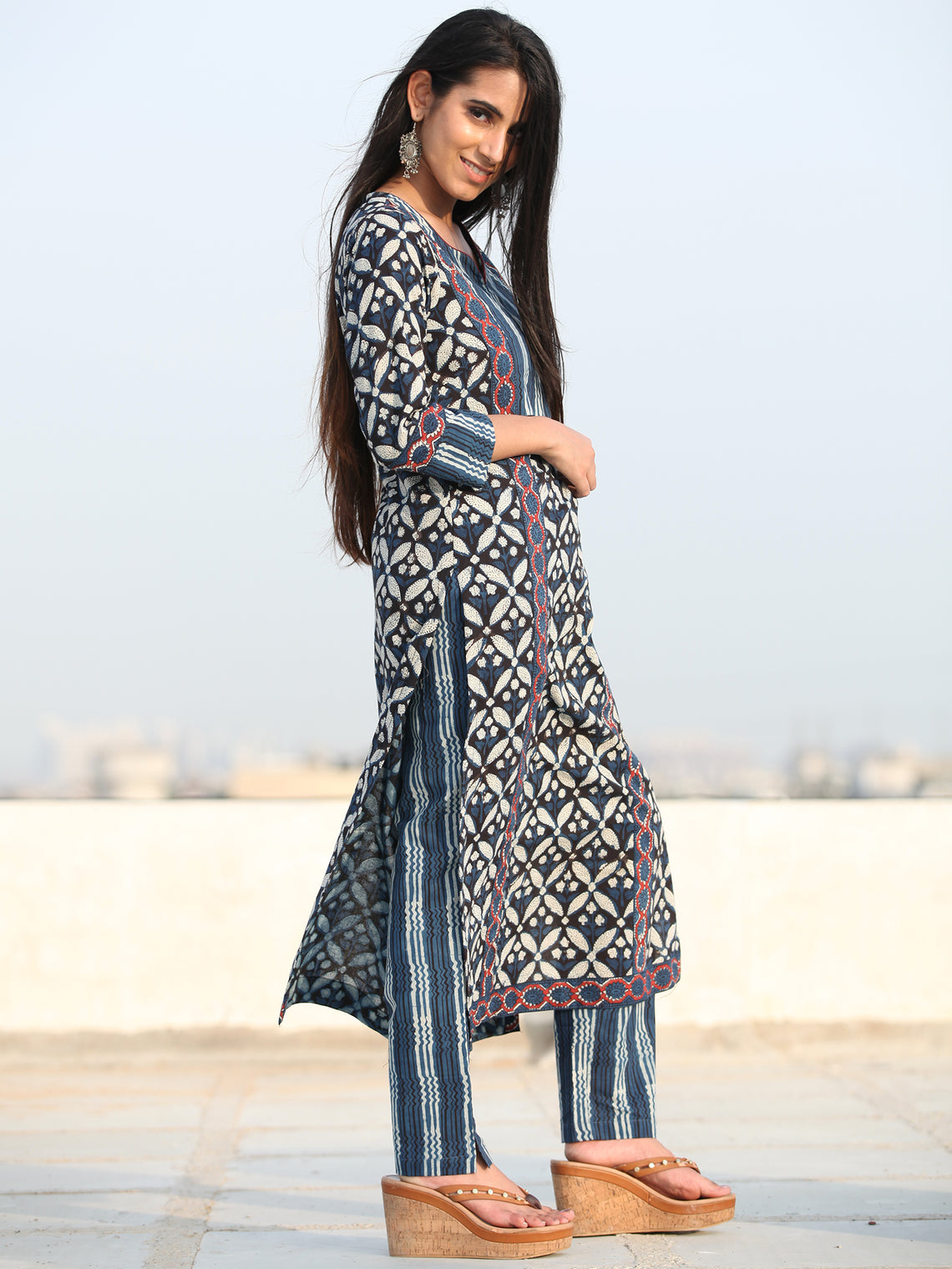 Bahaar Faryal - Set of Kurta Pants & Dupatta - KS60W2461D
