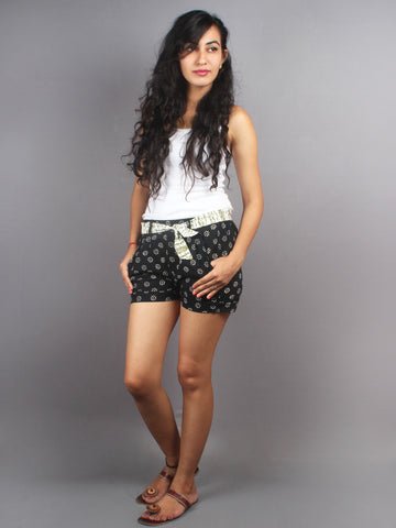 Black Hand Block Printed Shorts With Belt -S5296002