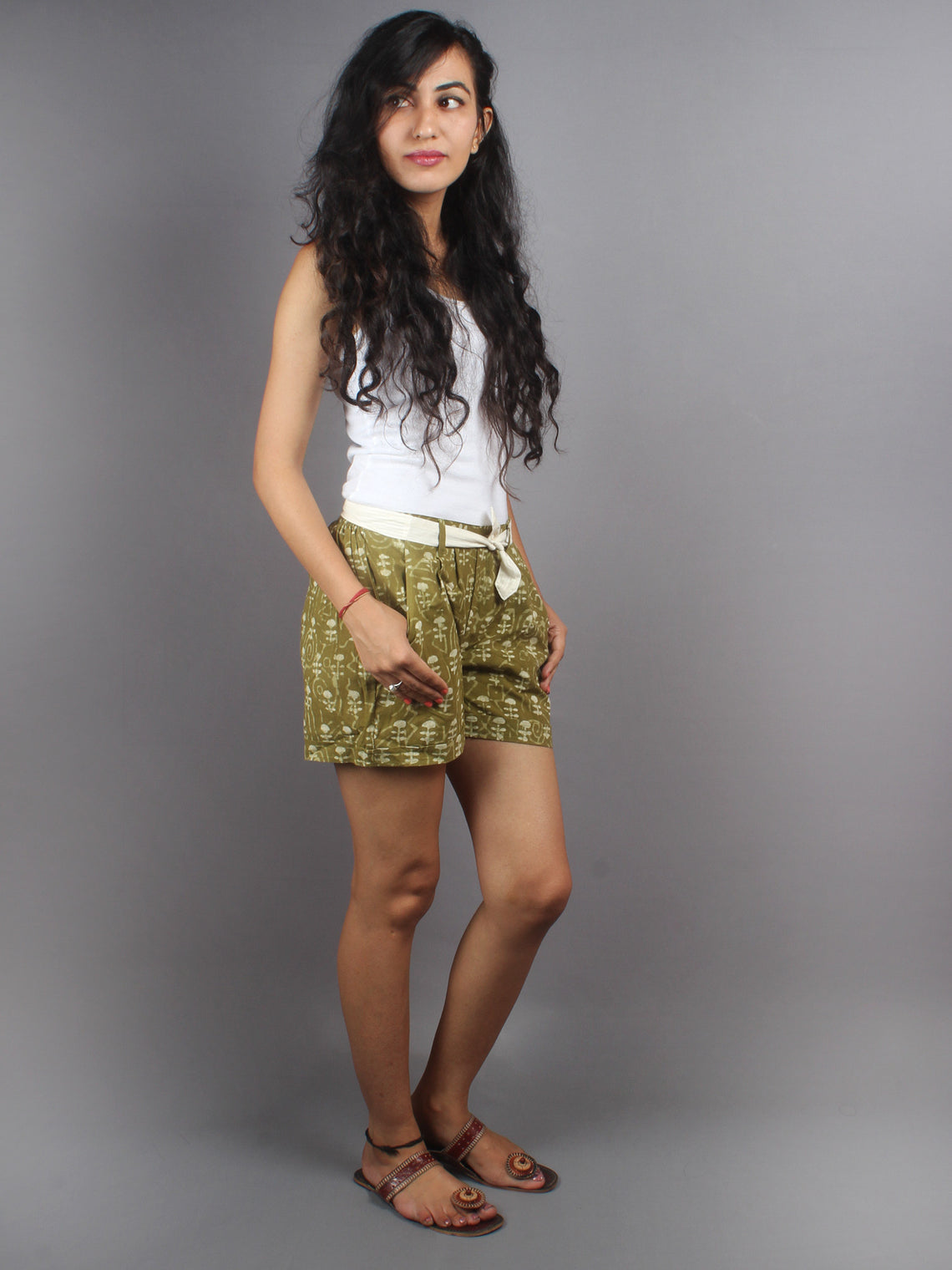 Green Hand Block Printed Shorts With Belt -S5296004