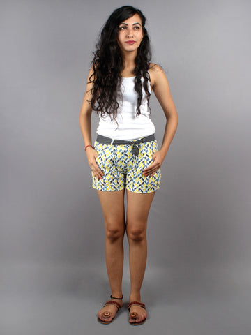 Multi color Hand Block Printed Shorts With Belt -S5296016