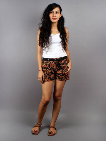 Multi color Hand Block Printed Shorts With Belt -S5296030