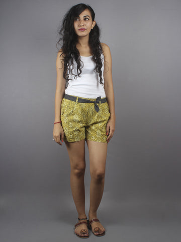 Green Hand Block Printed Shorts With Belt -S5296036