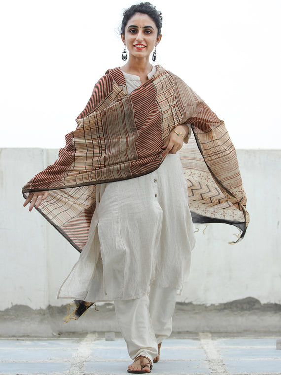 Beige Red Black Chanderi Hand Block Printed Dupatta - D04170359