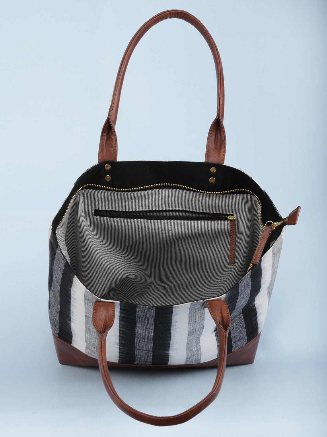 White Black Ikat & Vegan Leather Tote Bag - B1002