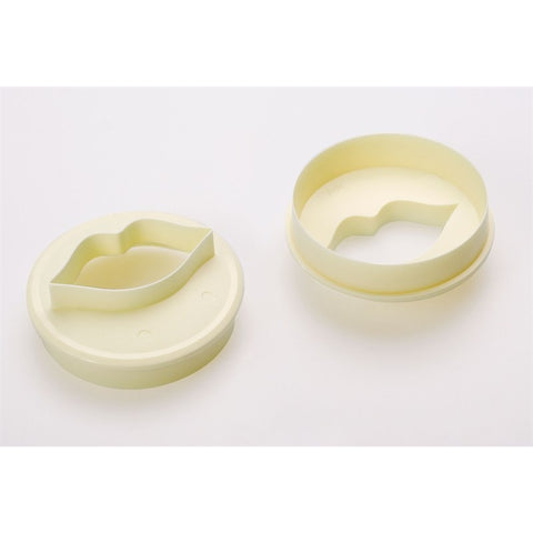 FMM Cupcake Cutter Lips/ Circle