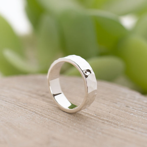 Hammered Band Ring Flat - SR108