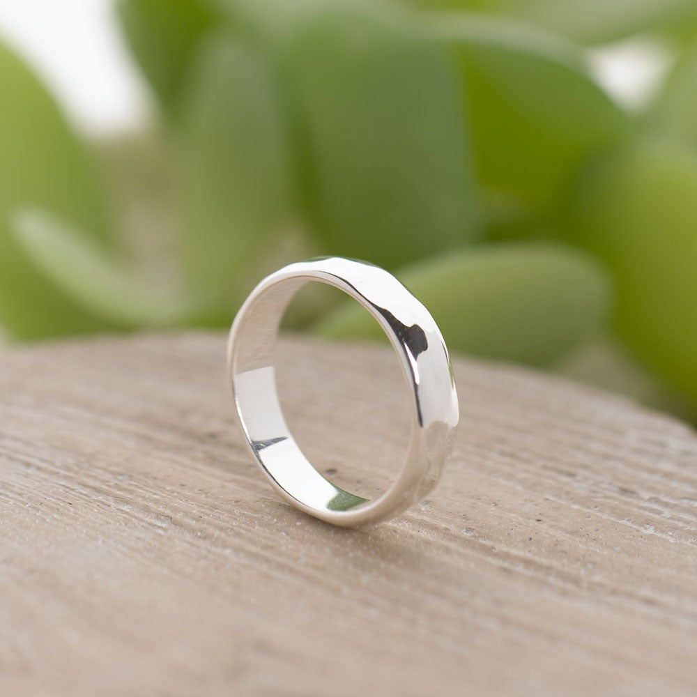 Hammered Band Ring D-shape - SR109