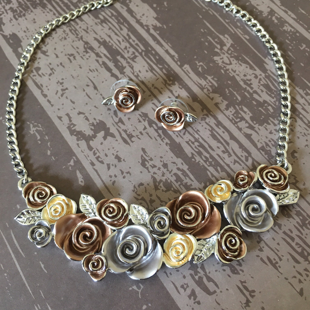 Bouquet Collar Necklace - VFN101