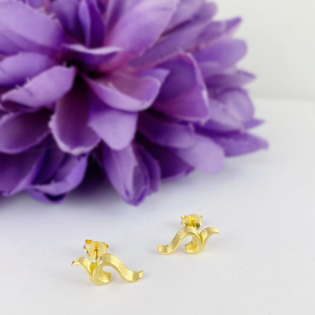 Golden Crest Earrings - VE237
