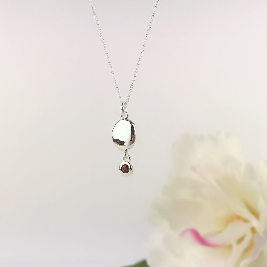 Garnet Pebble Pendant - VP325