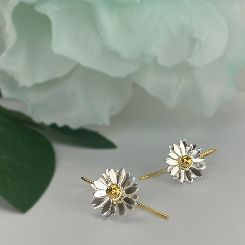 Golden Daisy Earrings - VE667