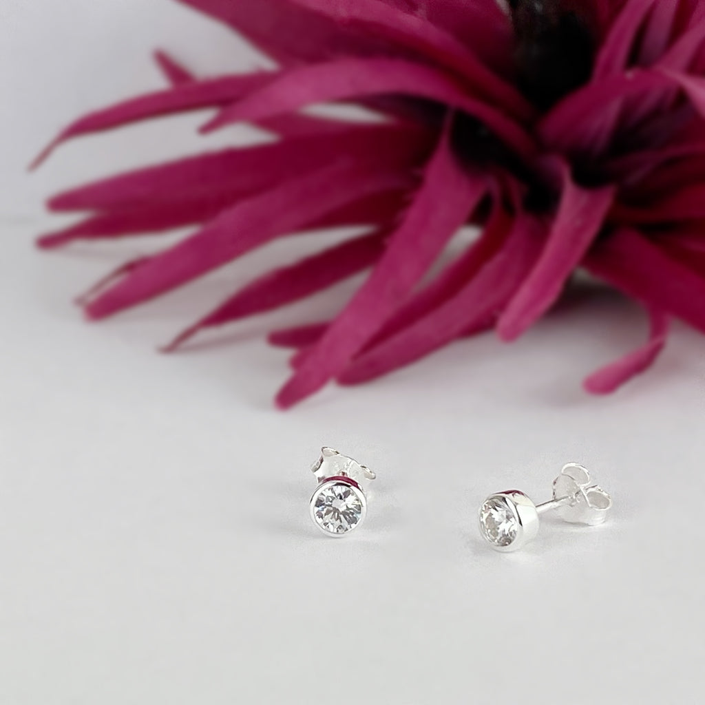 Diamond Sparkle Studs (Apr) - SE5056