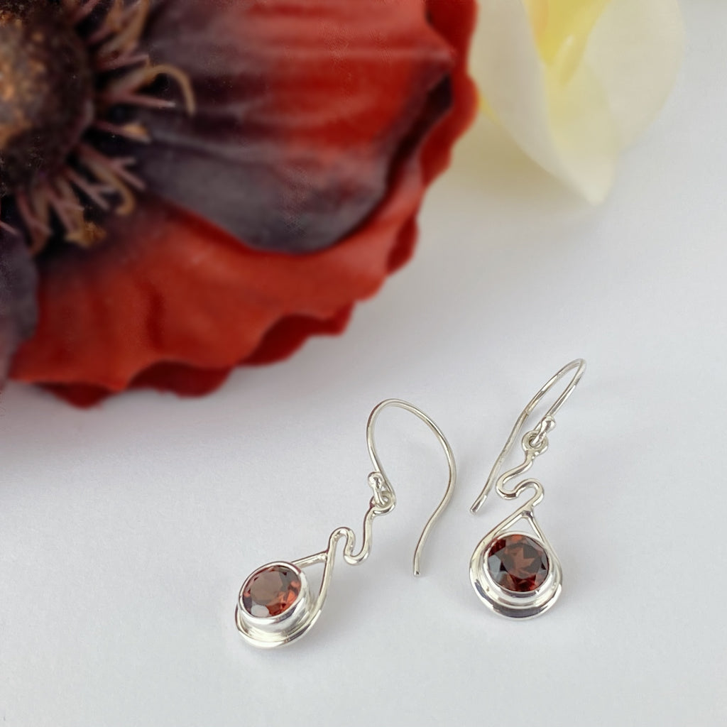 Dainty Garnet Earrings - VE605
