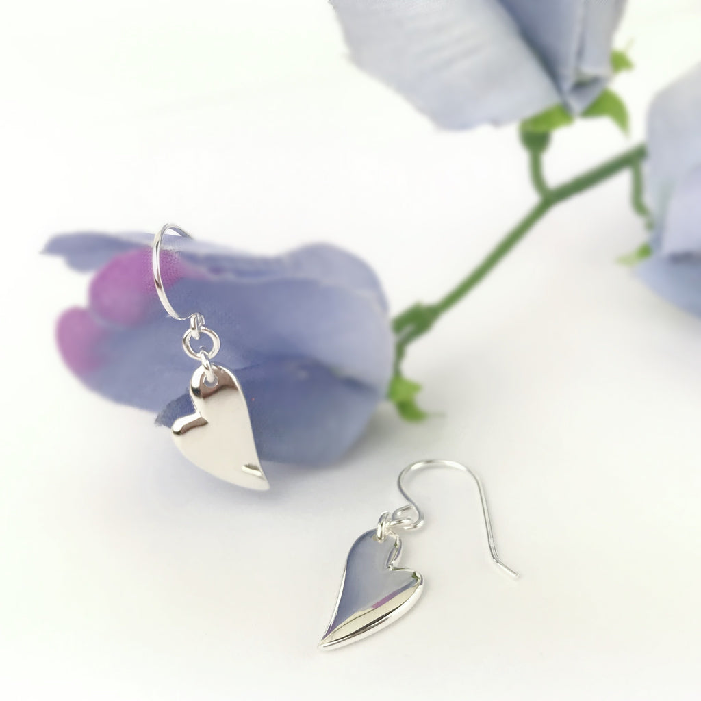 Curvy Love Earrings - SE4949