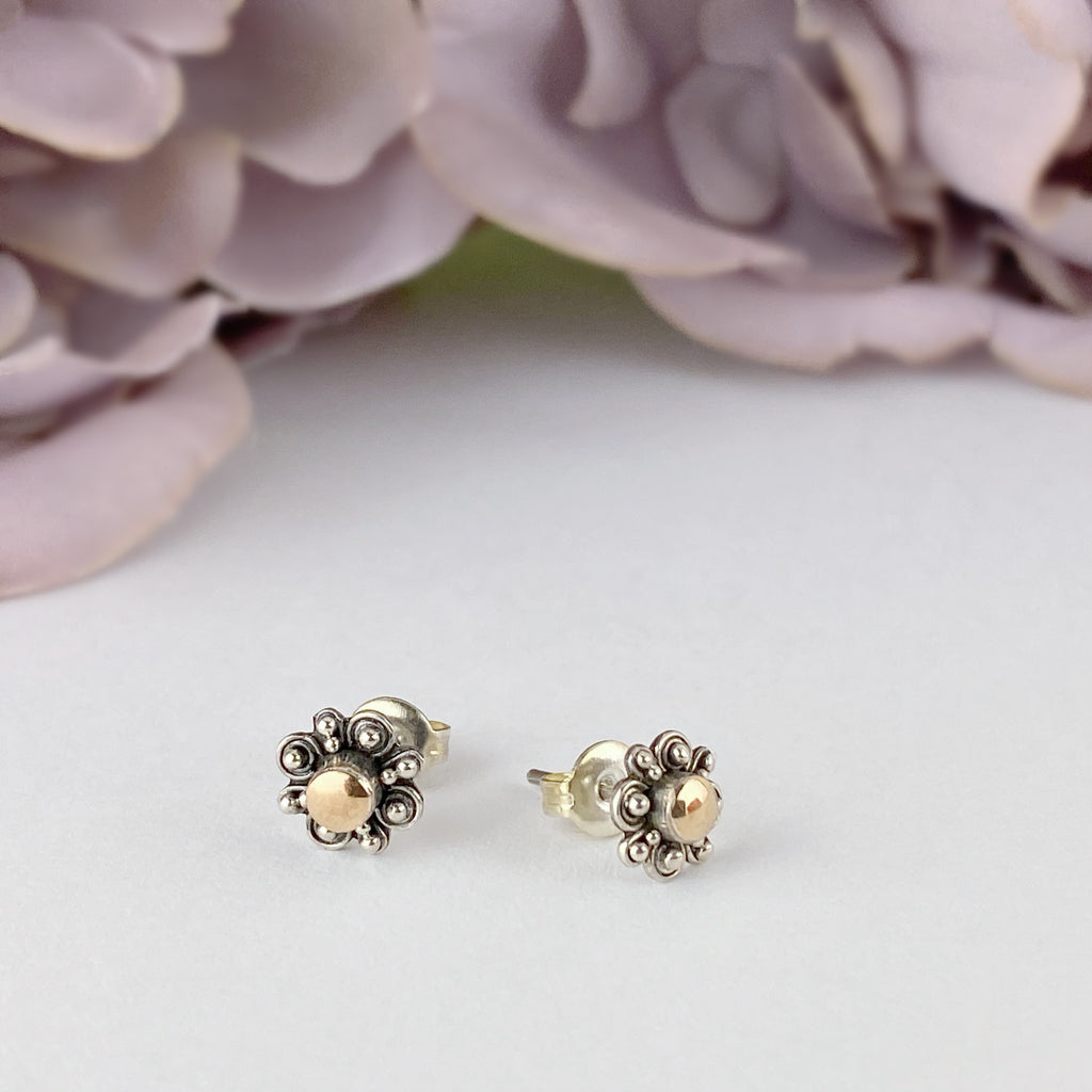 Regal Flower Stud Earrings - VE414