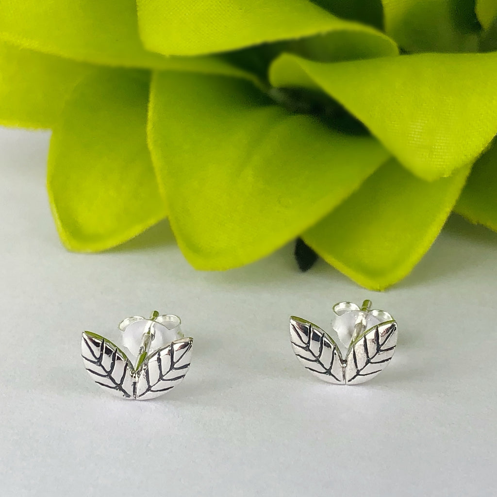 Little Leaf Earrings - VE532