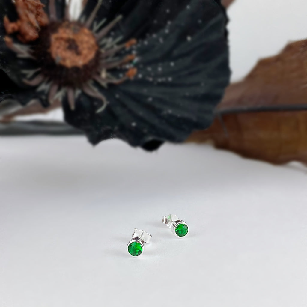 Emerald Sparkle Studs (May) - SE5057