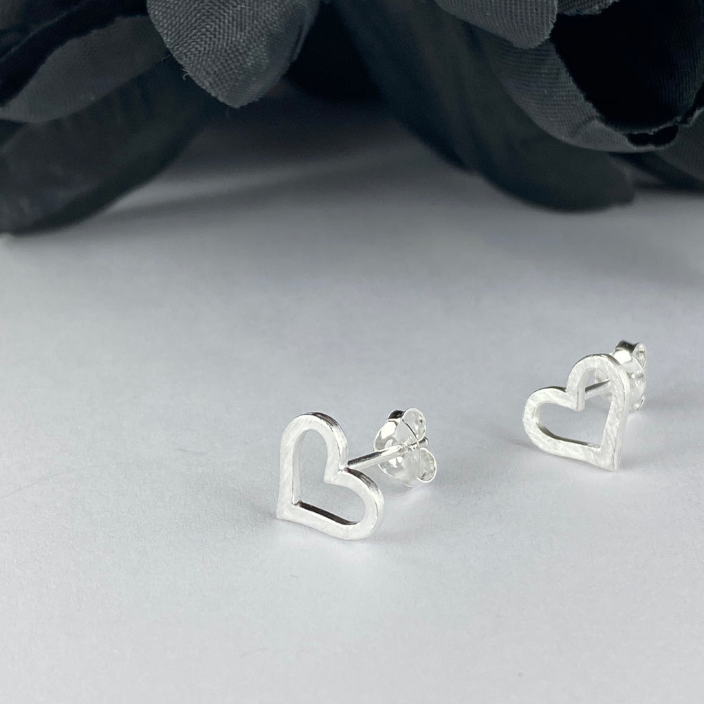 Dusty Heart Earrings - VE620