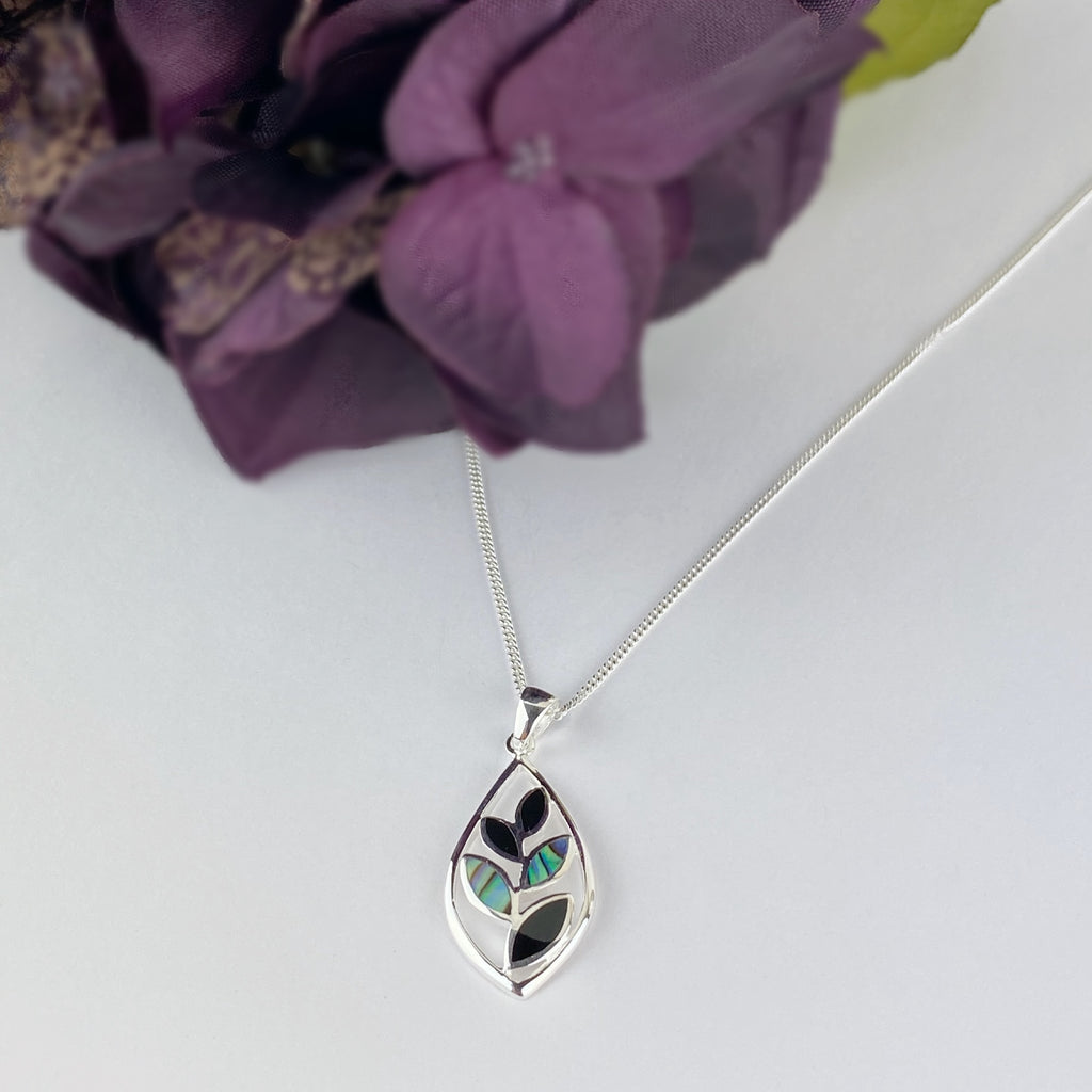Green Deco Leaf Pendant - VP326