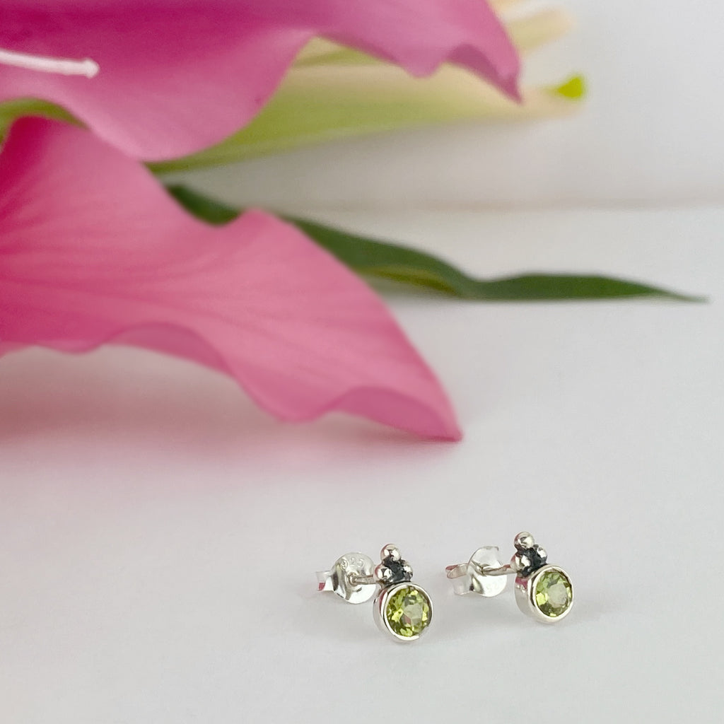Green Light Stud Earrings - SE4927