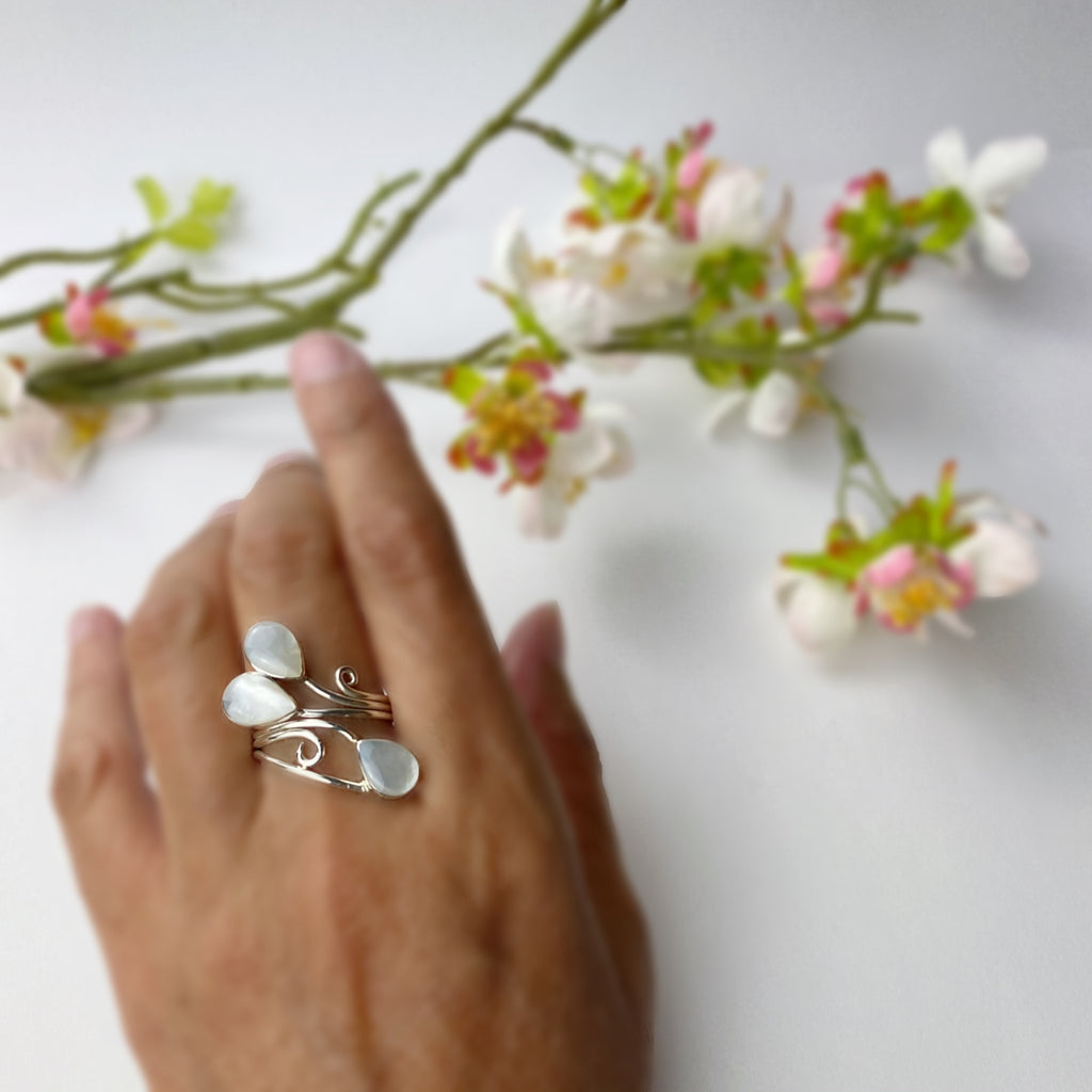 White Petals Ring - VR426