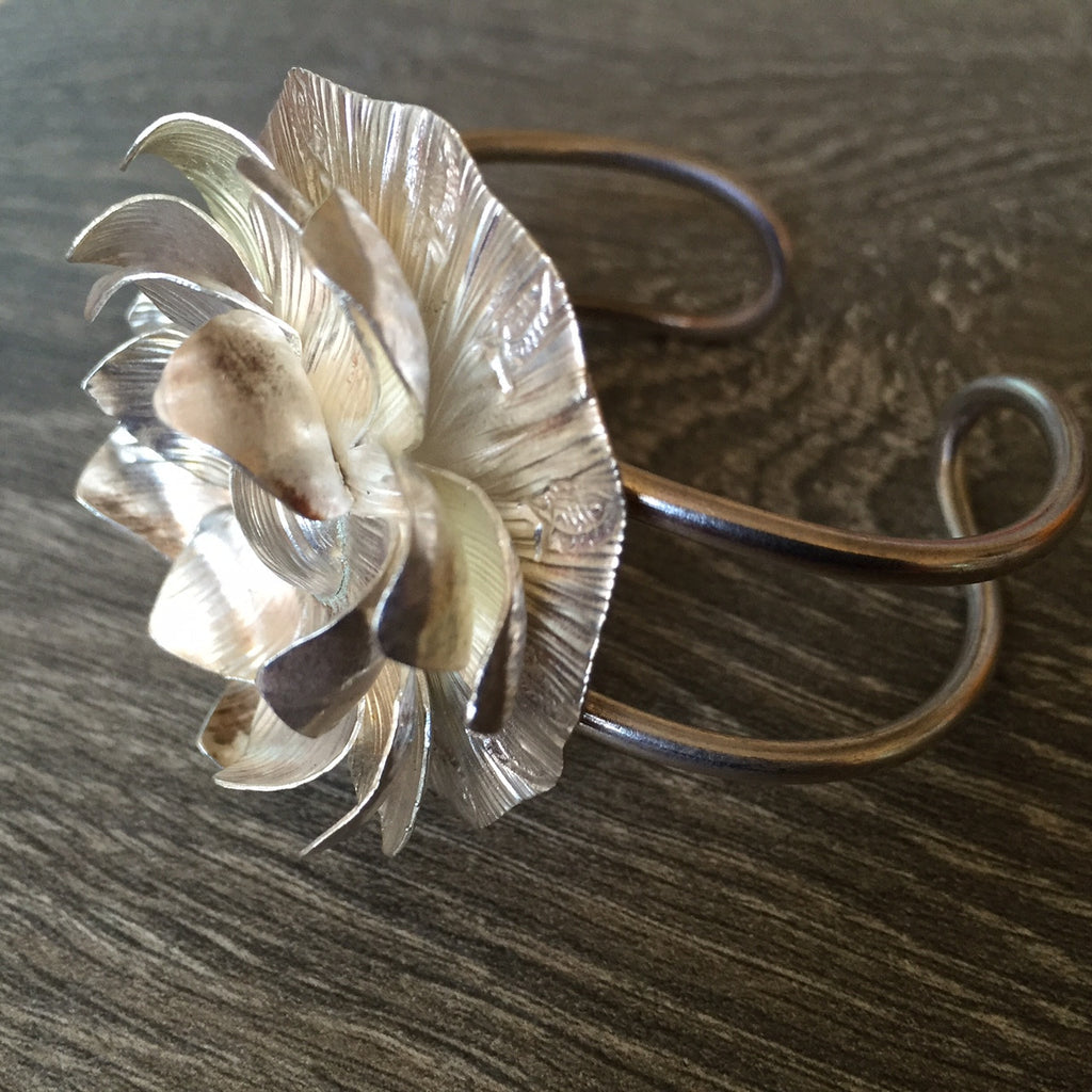 Moonlit Lotus Bangle - VBGL106