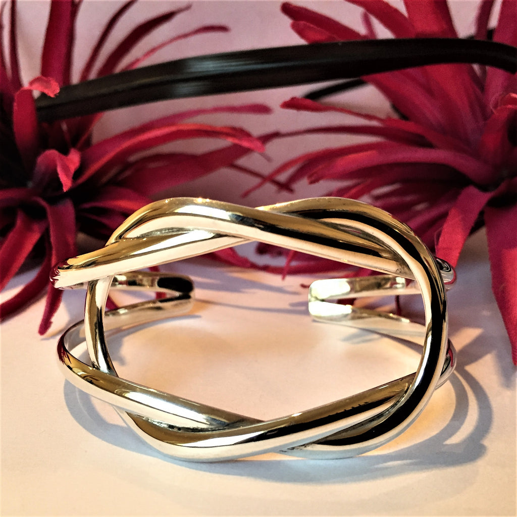 Eternal Knot Bangle - SBGL699