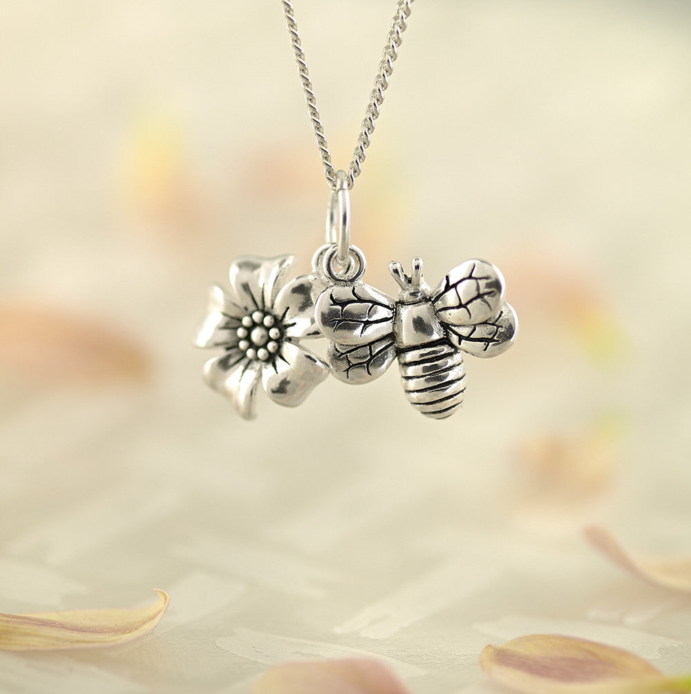 HoneyBee Pendant - SP2254