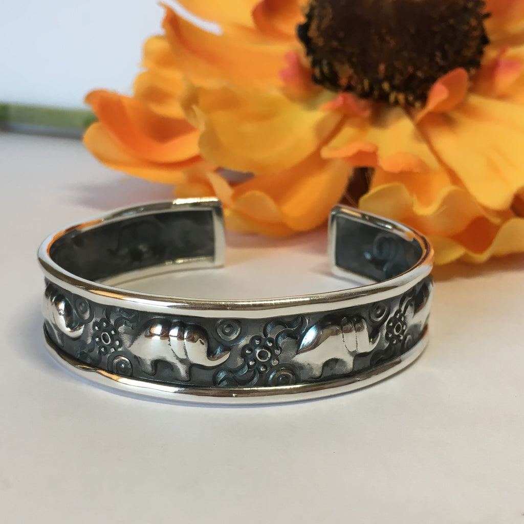 Lucky Elephants Bangle - VBGL166