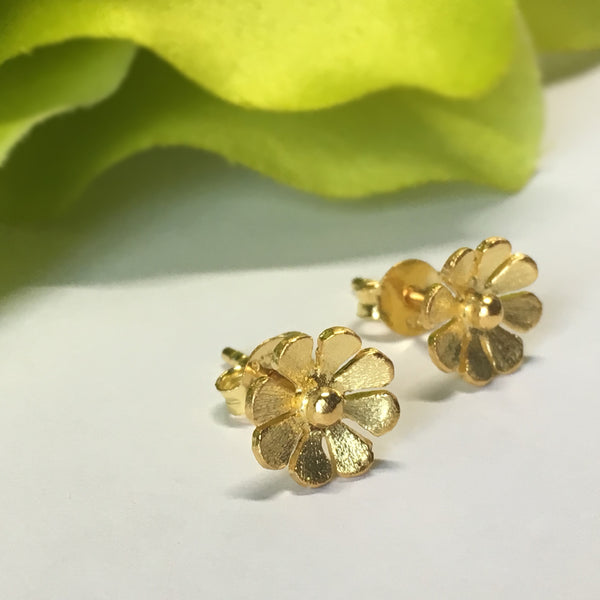 Buttercup Stud Earrings - VE312