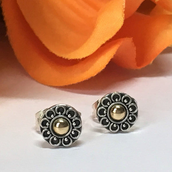 Flora Stud Earrings - VE353