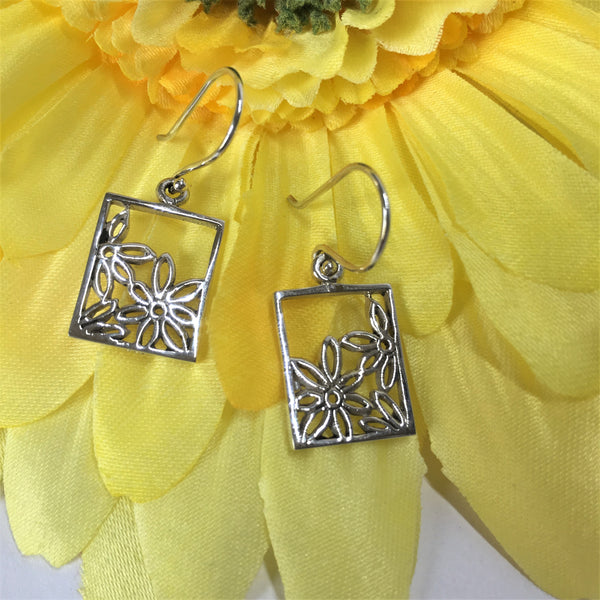 Flower Frame Earrings - VE363
