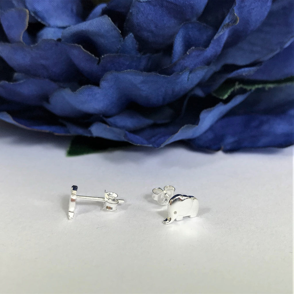 Baby Elephant Stud Earrings - VE403