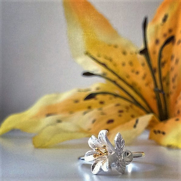 Lovely Lily Ring - VR132