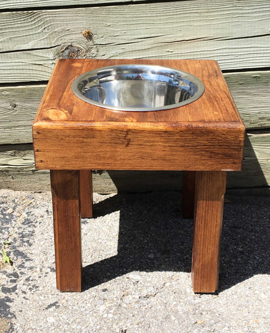 Traditional Single Bowl Feeder with Legs - Large - Only one available