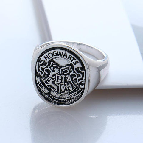 Ring - HARRY POTTER Hogwarts Crest Ring