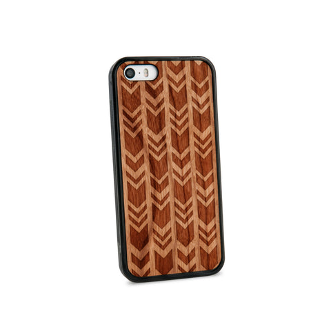 Arrow Chevrons Natural Wooden iPhone 5/5S Case in American Cherry Wood