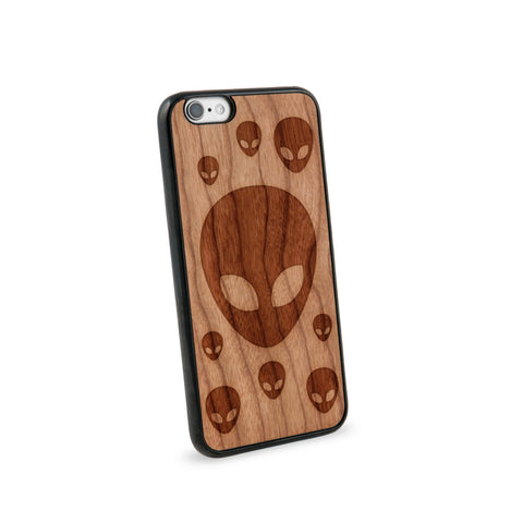 Alien Head Natural Wooden iPhone 6 Case in American Cherry Wood