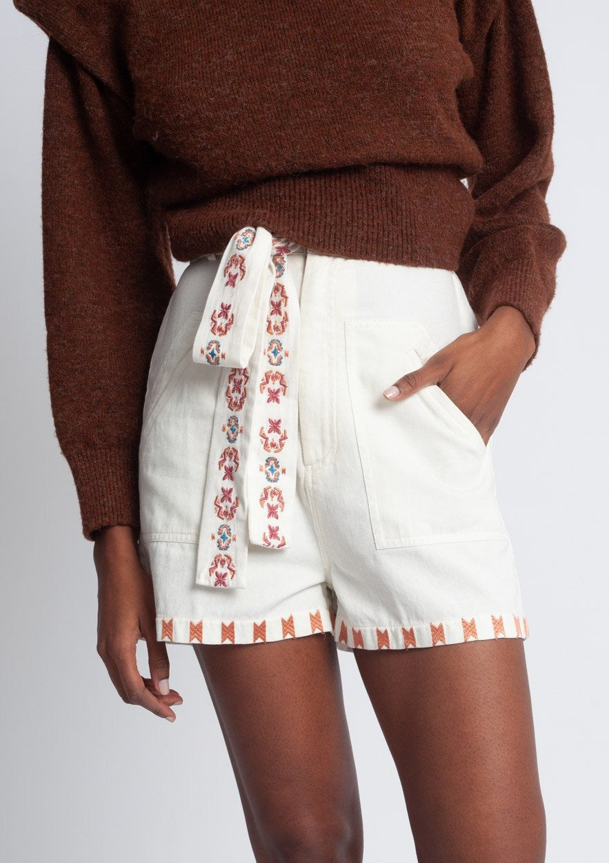 Embroidered Gouyen Shorts White