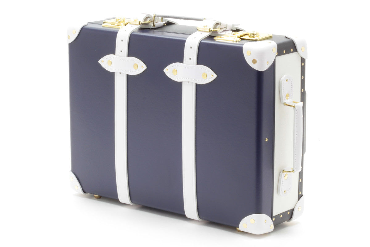 Treasure Hunt in Athens - Globe Trotter 21'' Trolley Case