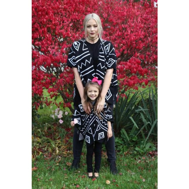 Mommy & Me Graphic Print Shawls